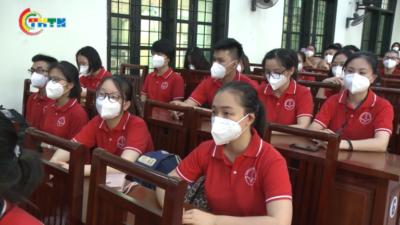 Cán bộ, giảng viên, sinh viên trường ĐH Dược Hà Nội hỗ trợ miền Nam chống dịch