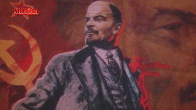Lãnh tụ V.I.Lenin và bản hùng ca cách mạng vĩ đại.