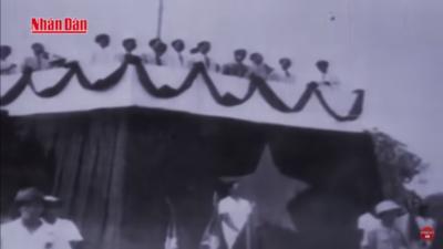 Phim Tài Liệu Chủ Tịch Hồ Chí Minh - Bác Hồ Trong Trái Tim Người Lính.