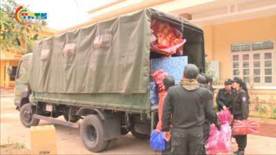 Trung đoàn CS bảo vệ mục tiêu cơ quan đại diện ngoại giao thăm tặng quà tại Lạng Sơn